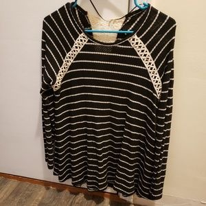 Style & Co black and cream tunic flowy top small